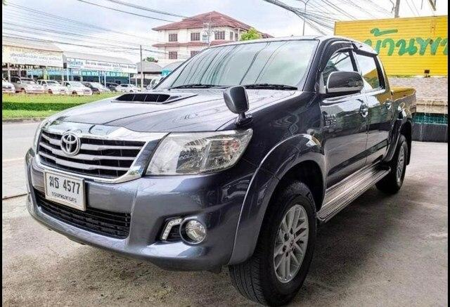 TOYOTA HILUX DOUBLE CABIN  (Ref 00321)