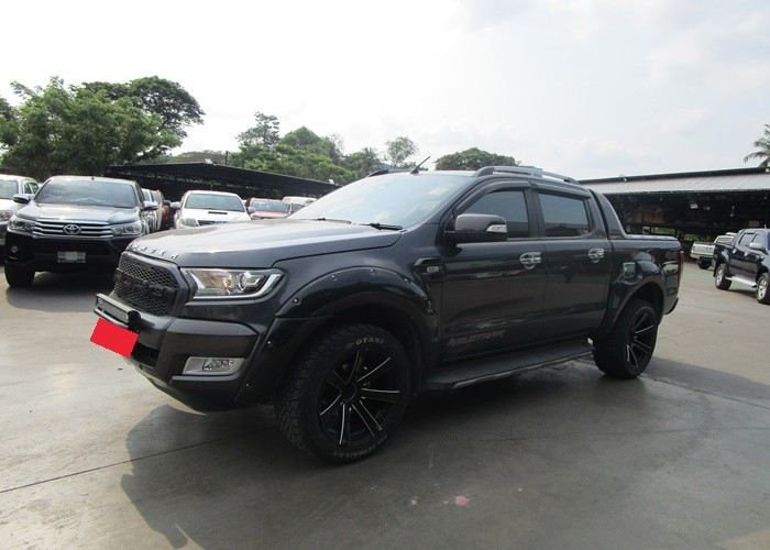 FORD DOUBLE CAB 4WD AT